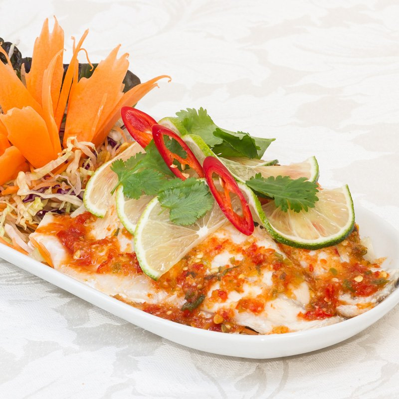 Steamed Fish with Lime (pla neung manao - ปลานึ่งมะนาว)