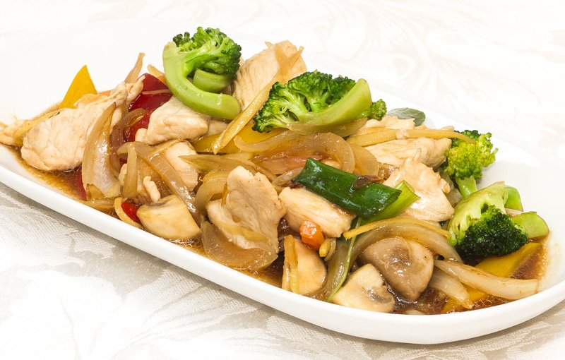 Pad Khing ผัดขิง (Pad Khing). Fried ginger with chicken, pork, beef or king prawns, a real treat.