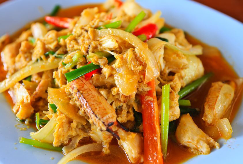 a dish of boo pad pong garee, from our Thai takeaway menu