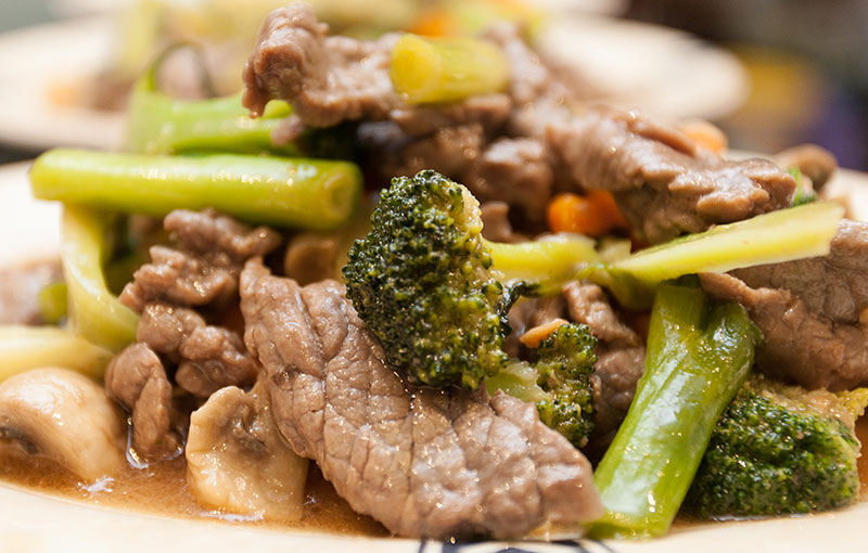 A plate of beef in oyster sauce from our Thai takeaway menu