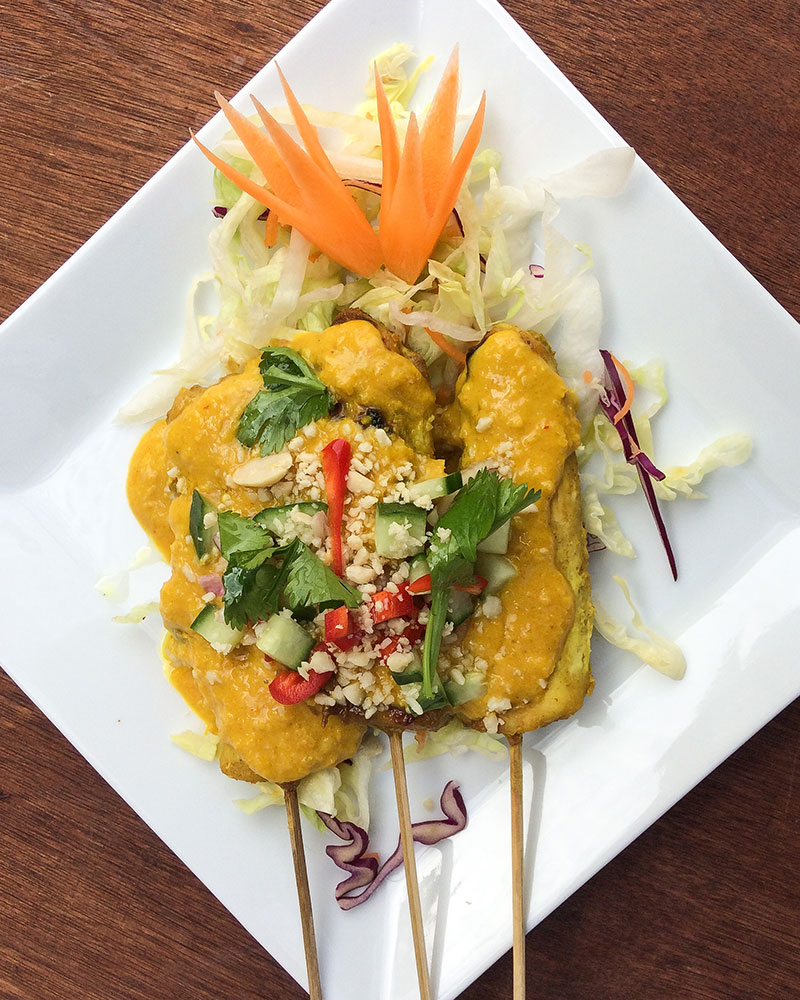 how to order a takeaway, a plate of Chicken Satay from Thai Kitchen in Lakeland