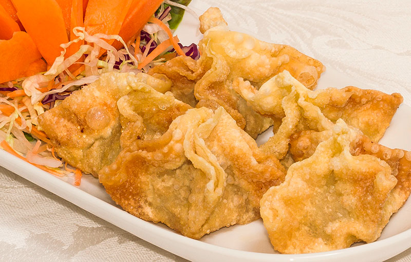 A plate of crispy wonton (geoh tord) from our Thai takeaway menu